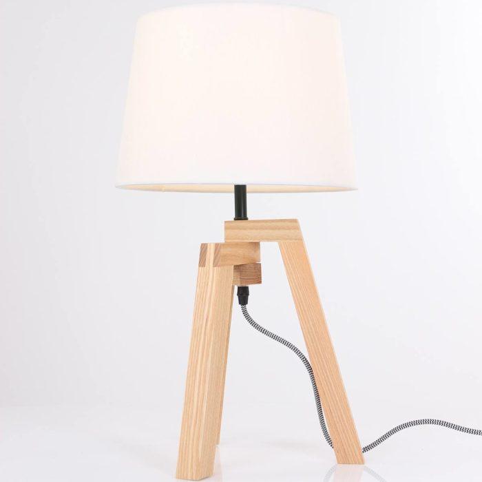 Tafellamp 1-lichts 3-poot MEXLITE - 7662BE - Tafellamp- Mexlite- Bess- Modern - Trendy- Wit Bruin Witte kap- houten frame- zwart/wit snoer- Metaal Hout