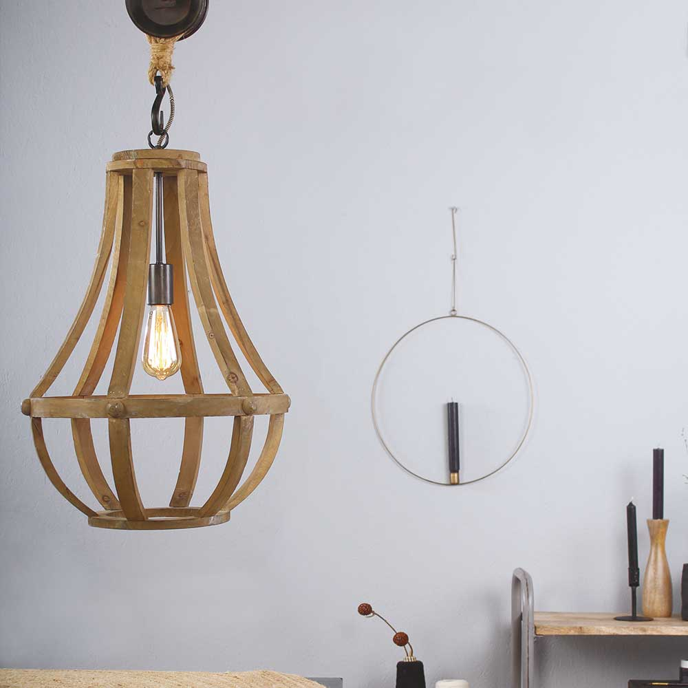 Grote stoere houtenlamp van Steinhauer. Prachtige houten hanglamp.